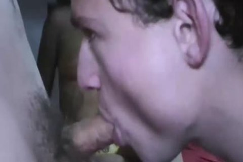 Straight guys Giving blowjob To homo guys
