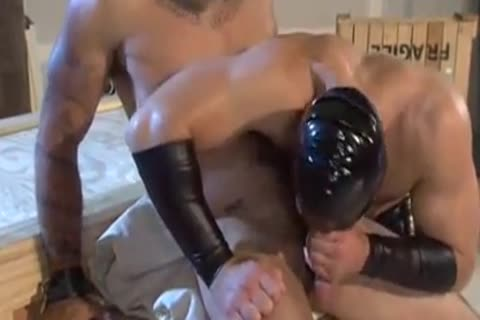 kinky nailing With The Leather man