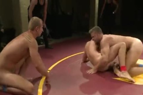 [GVC 118] Muscly guys Wrestling In Public