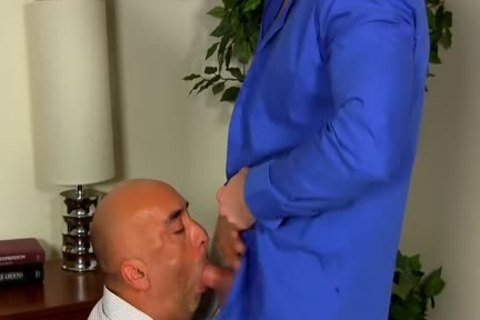 Shay Michaels bangs His Annoying Boss Brian In His butt