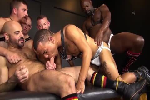 RR - moist N bare Daddy gangbang!