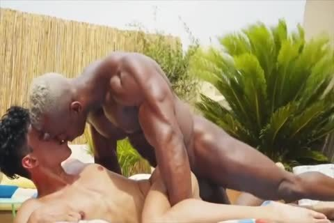 WHITE whore receives SERVICED
