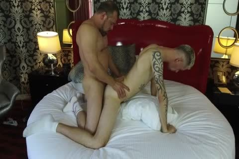 Robert Rexton gets slammed By Muscle Daddies Max Sargent & Chance Caldwell