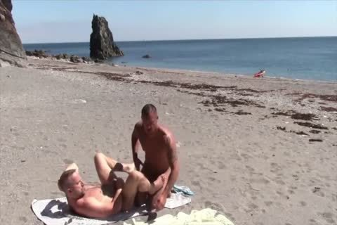 unprotected Sex At The Beach