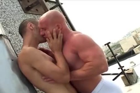 shaved oral Muscle man bonks His Skinny friend