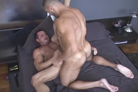 Two kinky men Enjoying Blowjobs And Hard Barebacking