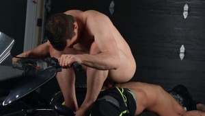 BROMO.com: Nailed rough with inked Ryan Bones Thyle Knoxx
