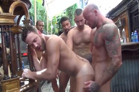 LOGAN MOORE group-sex PARTE two