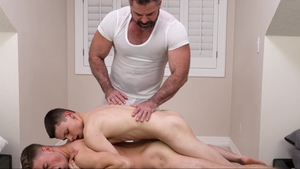 MissionaryBoys: Chinese Austin Xanders ass fingering