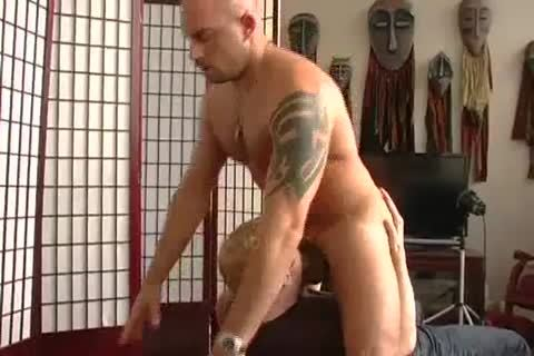 new York Straight males The Foreman Nails Face