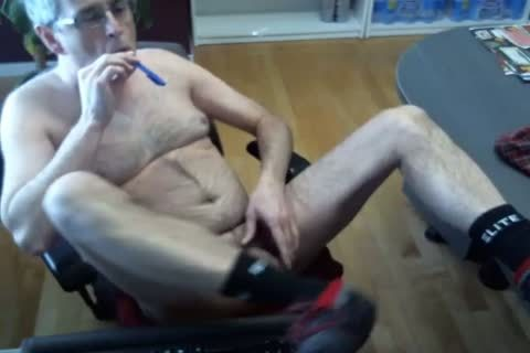 desperate Pig fucks anal With A Pen