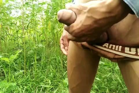 Outdoor Masturbation With dong juice flow-indian cook jerking