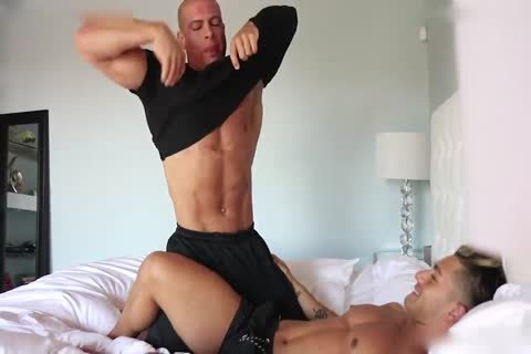 Muscle slam Gio Lockwood And Sean Costin