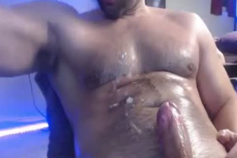 Muscle Hunk jerking off gigantic 10-Pounder & Cumming Several Times