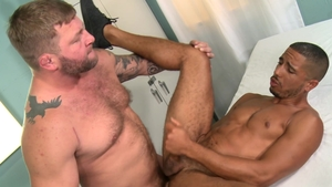 MenOver30: Muscle Mike Maverick fucked in the ass