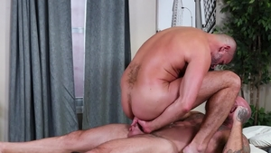Men Over 30 - Brunette Sean Duran fucked by huge penis daddy