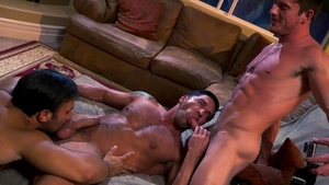 FalconStudios: Bodybuilder Dorian Ferro anal interracial