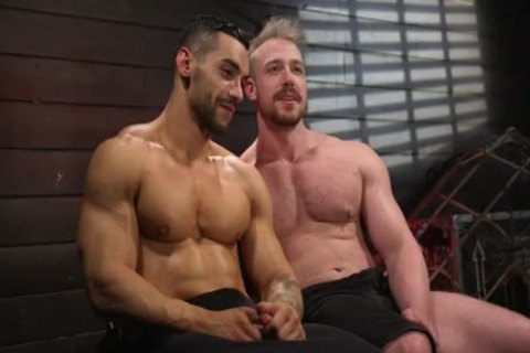 enormous Handed - Arad Winwin Flogs, bonks And Fists Blake Hunter