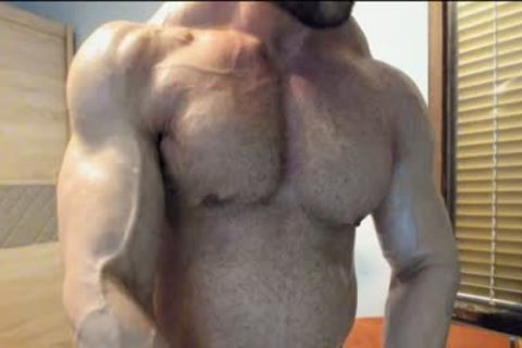 A daddy Muscle chap Masturbating In Live